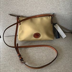 Dooney & Bourke crossbody 👛